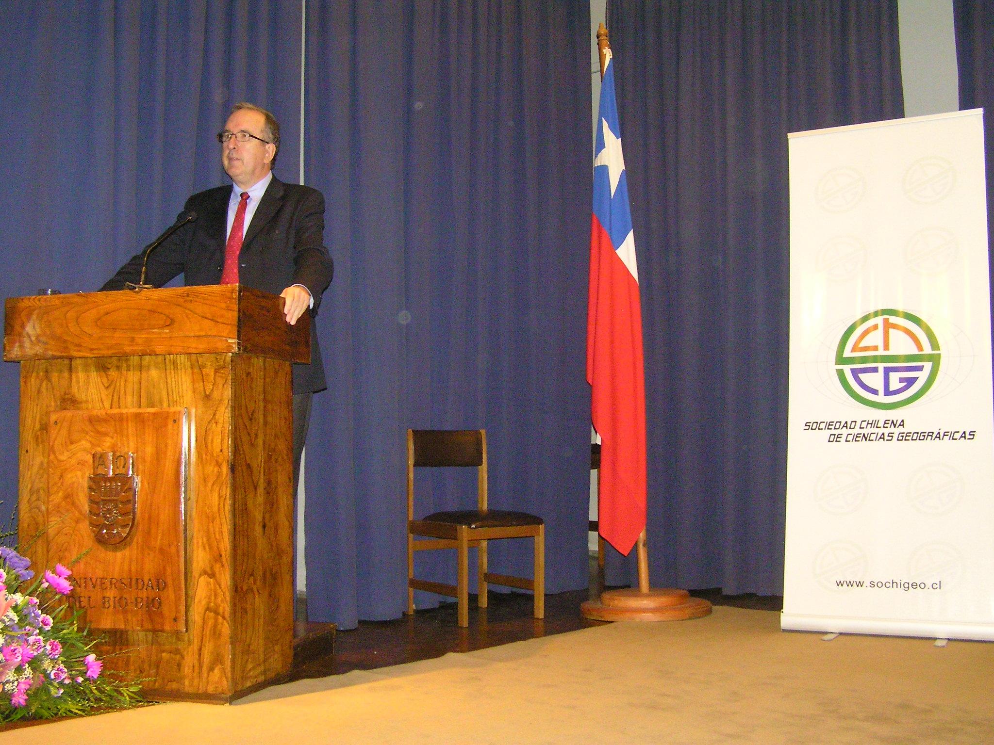 Fernando Manero Miguel pronuncia la Conferencia Inaugural en el XXXIV Congreso Nacional y XIX Internacional de la Sociedad Chilena de Ciencias Geográficas