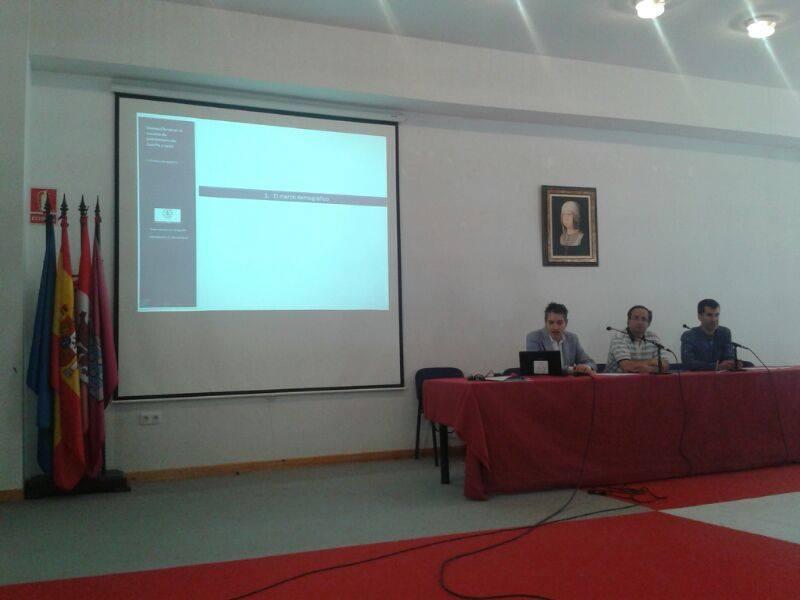 Los profesores Luis Carlos Martínez Fernández e Ignacio Molina de la Torre participan en la I Jornada Técnica sobre Desarrollo Local en Castilla y León